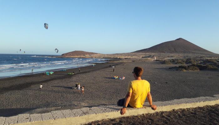 David liebt das Kitesurfen in El Medano auf Teneriffa