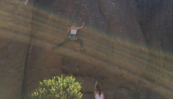 Leben auf Teneriffa: Klettern an den Felsen bei Arico