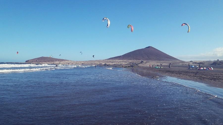 Ein Paradies für Kite-Surfer - der Strand in El Medano