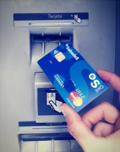 Eine spanische Bankkarte und ein spanisches Bankkonto bekommt man leicht auf Teneriffa.