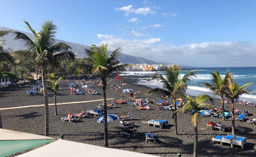 Gutes Wetter das ganze Jahr über lockt viele Auswanderer nach Teneriffa.