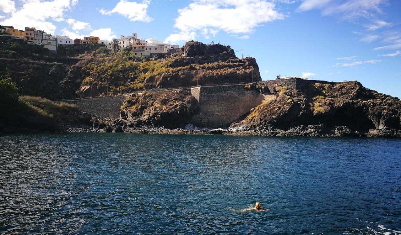 1 Jahr auf Teneriffa - selbst im Winter kann man schwimmen.