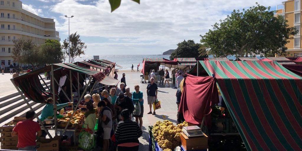 Jeden Mittwoch findet der Markt in El Medano auf Teneriffa statt