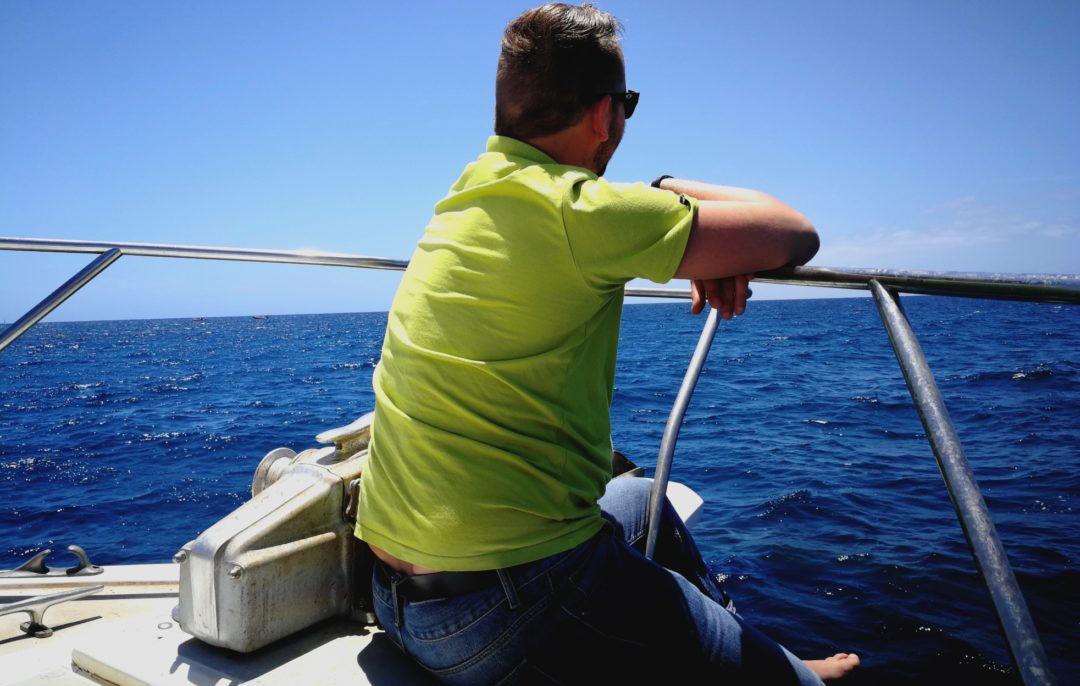 Am liebsten ist Andreas, Auswanderer auf Teneriffa, auf dem Boot