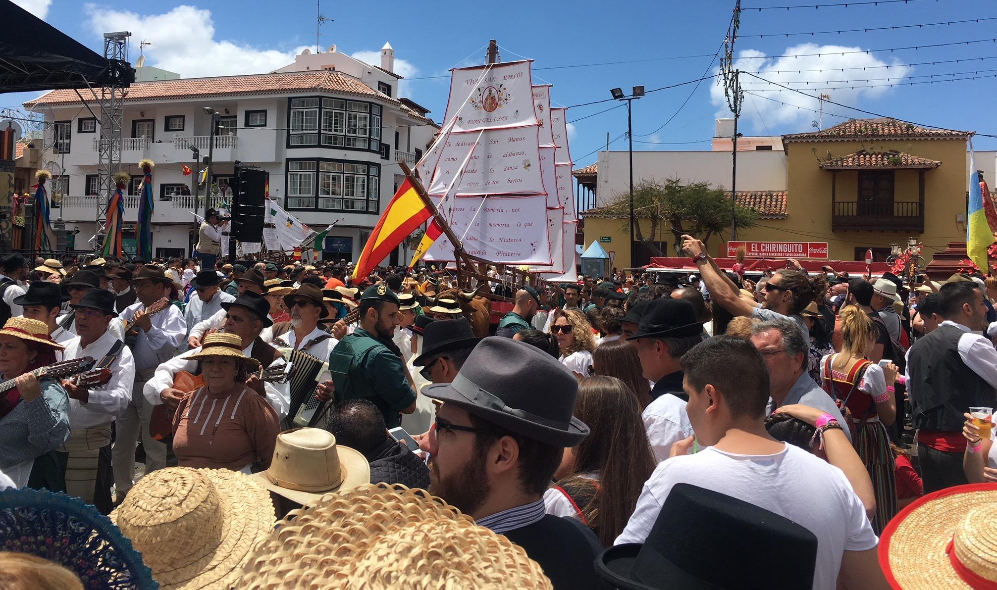 10 Fakten über Teneriffas Einheimische: Sie feiern gerne und viel